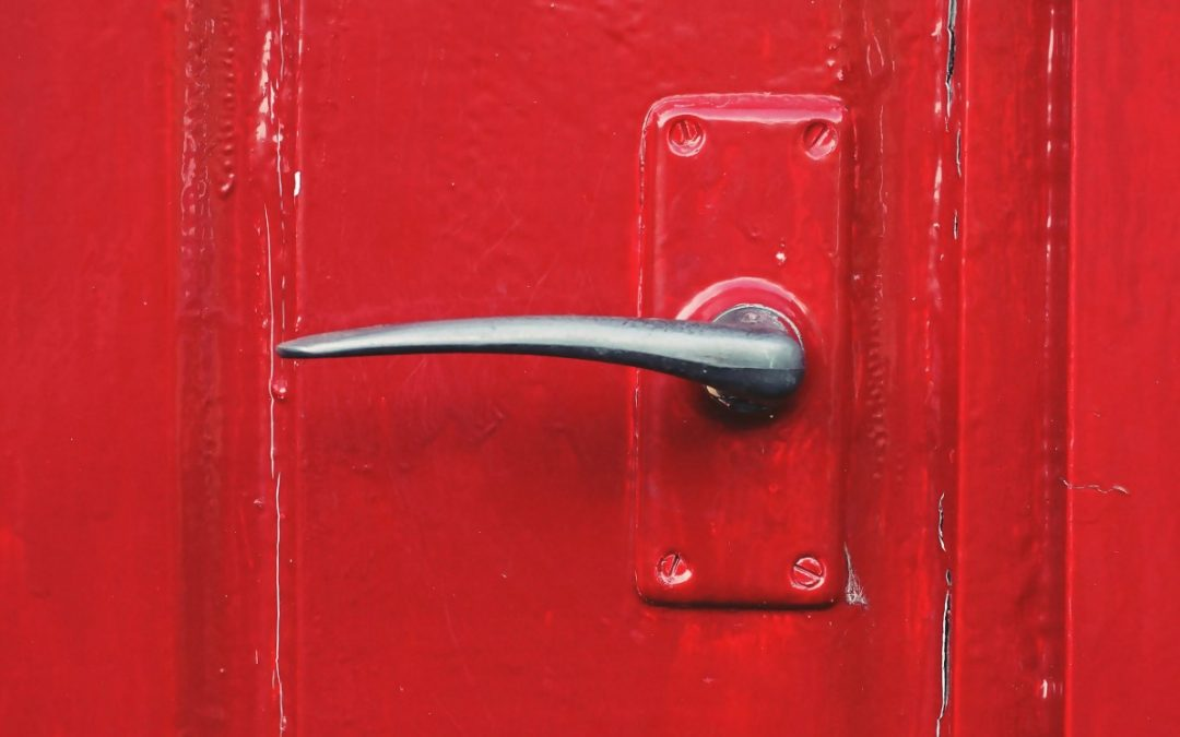 How to Pick Out Hardware for Your Doors